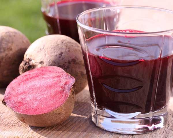Rödbetsjuice - fridykare minskade syreförbrukningen med nitratrik rödbetsjuice.